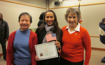 Congresswoman Schakowsky with newly Naturalized Citizens