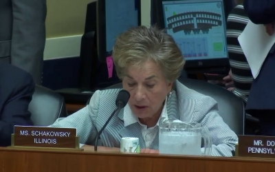 Congresswoman Schakowsky speaks on HR 3170, the Safe Crib Act, at Full Committee Markup
