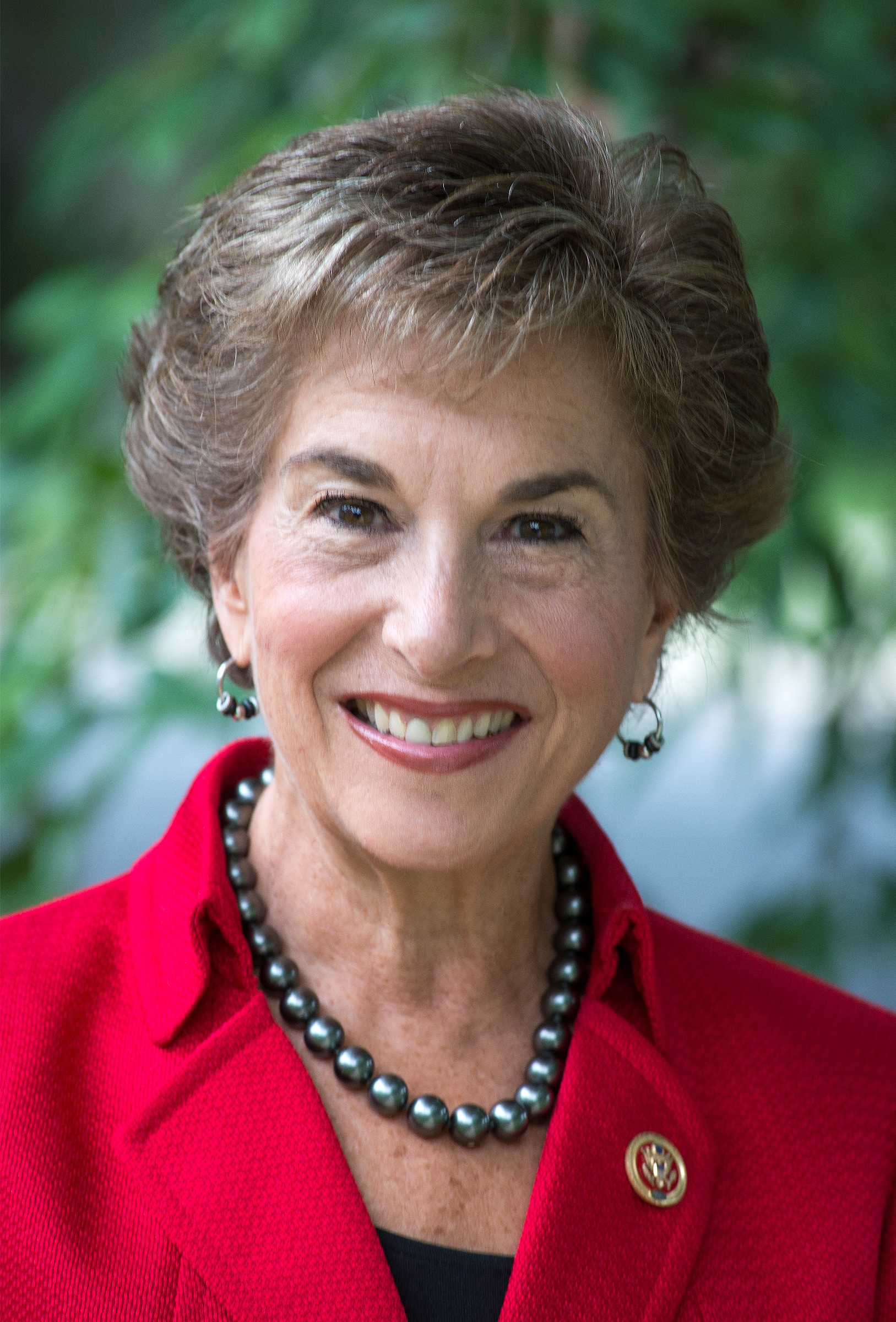 Jan Schakowsky was elected to represent Illinois' 9th Congressional District in 1998